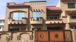 354 Sq Yards 7 Bedrooms Good Location House For Sale