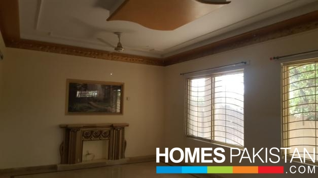 1 Kanal 4 Bedrooms Prime Location Upper Portion for Rent