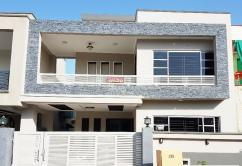 11 Marla 2 Bedrooms Ideal Location House For Rent