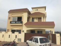 10 Marla Bungalow For Sale in Bahria Enclave Islamabad