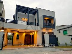 Luxurious 10 Marla House For Sale In Bahria Town
