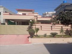 1 Kanal house with Basement on a Prime Location 500 meters to Islamabad Highway