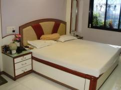 1600 Sq Ft 3 Bedrooms Good Location Apartment For Sale