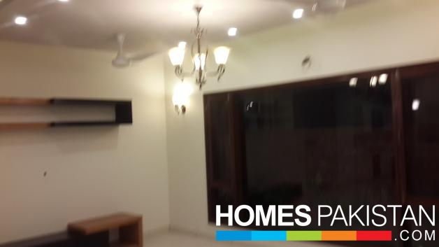 500 Sq Yard 6 Bedrooms Beautiful Location Bungalow For Sale