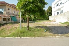 400 Sq Yards Prime Location Residential Plot For Sale