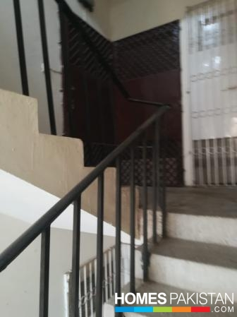 1350 Sq Ft 3 Bedrooms Flat for Sale in Nazimabad No 4