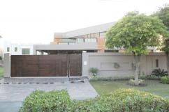 1 Kanal 6 Bedrooms Best Location Brand New Bungalow For Sale