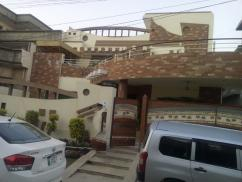 1 Kanal 5 Bedrooms Beautiful Location Triple Storey House For Sale