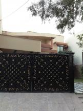 22 Marla 6 Bedrooms Beautiful Location House For Sale