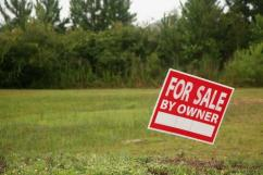 4 Marla Commercial Plot For Sale At Back of Main Road in D Block