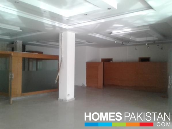 10000 Sq Ft Prime Location Commercial Office For Rent