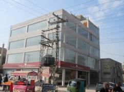 3000 Sq Ft Ideal Location Commercial Plaza For Rent