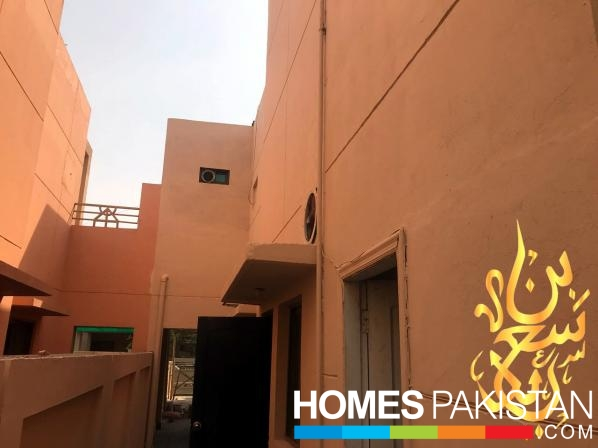 10 Marla 3 Bedrooms Beautiful Location House For Sale