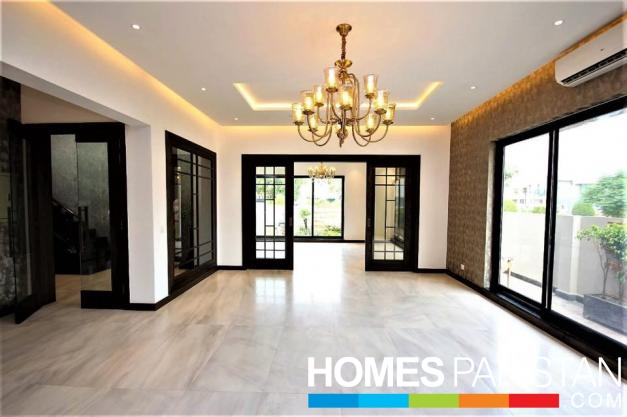 1 Kanal 6 Bedrooms Brand New Bungalow Outclass Location For Sale