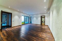 1 Kanal 5 Bedrooms Designers House For Sale