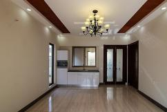 1 Kanal 5 Bedrooms Beautiful House 7 Year Used For Sale