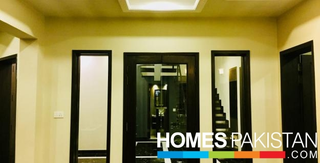 Luxury 5 Master bedrooms and Study House For Rent