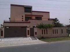 Wapda Town Student Accommodation with Shearing on Rent