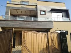 10 Marla Brand New Superb Design Bungalow For Sale In Punjab Govt Phase-2.