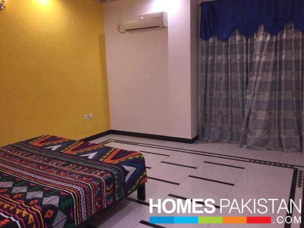 Furnished Rooms In Executive Hostel For Females On Rent