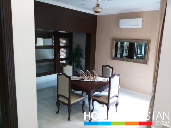 1 KANAL NEW UPPPER PORTION IS VACANT FOR RENT IN DHA PHASE I