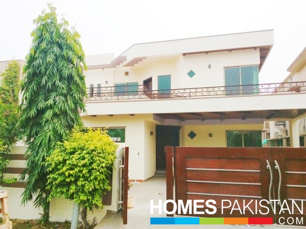 Upper Portion 1 Kanal Beautiful With Lower Lock For Rent In DHA Phase V