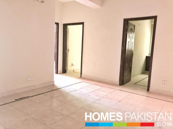 10 Marla 4 Bedrooms Ideal House For Sale