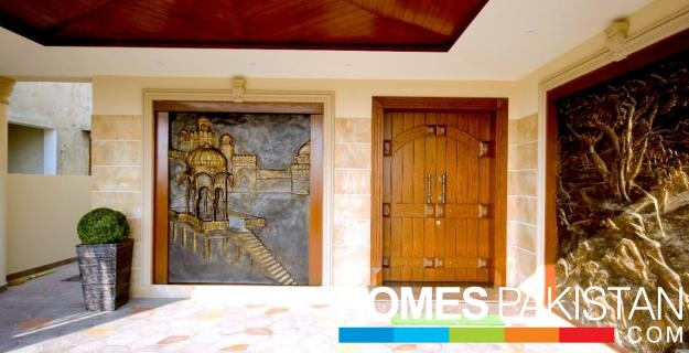 KANAL SPANISH CONSTRUCTION BUNGALOW FOR SALE IN DHA PHASE 5