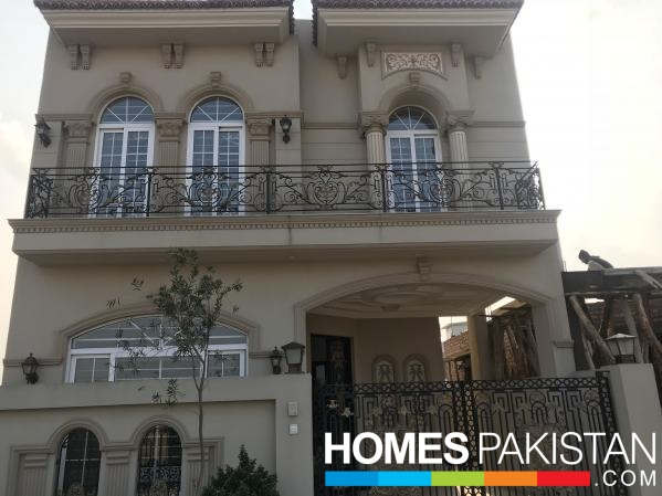 Brand new Spanish design 5 Marla House in DHA 9 Town Lahore
