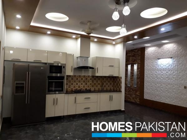 STUNNING 1 KANAL HOUSE FOR SALE IN DHA PHASE 6 LAHORE