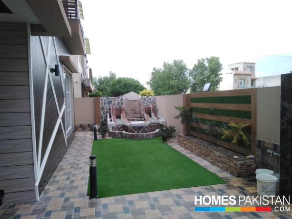 25 Marla Specious House For Sale in Bahira town Overseas Block