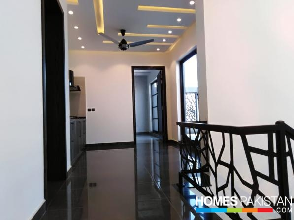 A Luxurious Bungalow 10 Marla for Sale