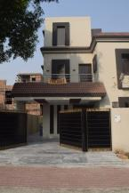 10 Marla Well Maintained House For Sale At Reasonable Price