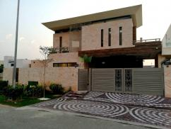 1 Kanal Brand New Elegant Design Bungalow For Sale