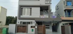 10 Marla Pleasing House In Sector D Bahria Town Lahore