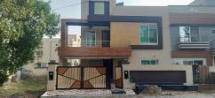 10 Marla Luxurious House For Sale At Reasonable Price Bahria Town Lahore