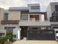 10 Marla Ideal House For Sale At Reasonable Price Bahria Town Lahore