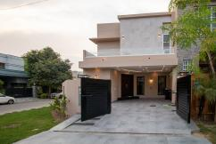 10 Marla Modern Design Bungalow In DHA Phase 8