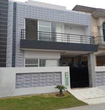 5 Marla Beautiful Location Brand New House For Sale