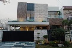 10 Marla Modern Design Brand New Bungalow For Sale