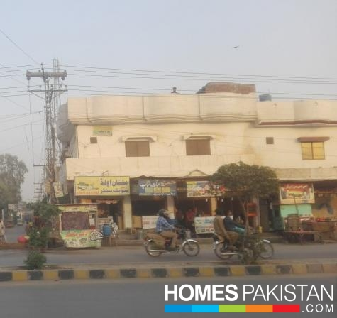4 Marla Commercial With Residential Rooms With 4 shops Available for Sale