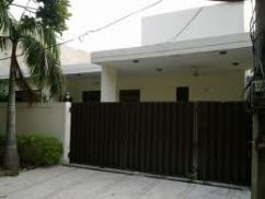 Nice Location 2 Kanal 10 Bedrooms Bungalow For Sale