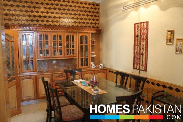 10 Marla 5 Bedrooms House For Sale
