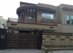 10 Marla 5 Bedrooms Prime Location Brand New House For Sale