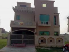 7 Marla 4 Bedrooms Great Location Brand New House For Sale In Usman Block
