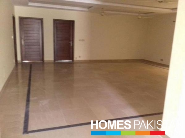 1 Kanal  3 Bedrooms Out Class Upper Portion For Rent