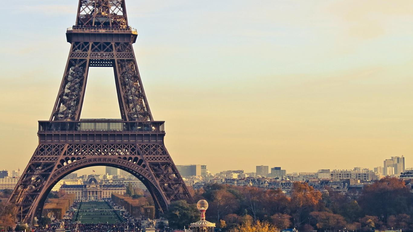 eiffel-tower-wallpaper-tumblrwallpapers-eiffel-tower-winter-landscape-nature-evening-city-fwc2hfdh.jpg