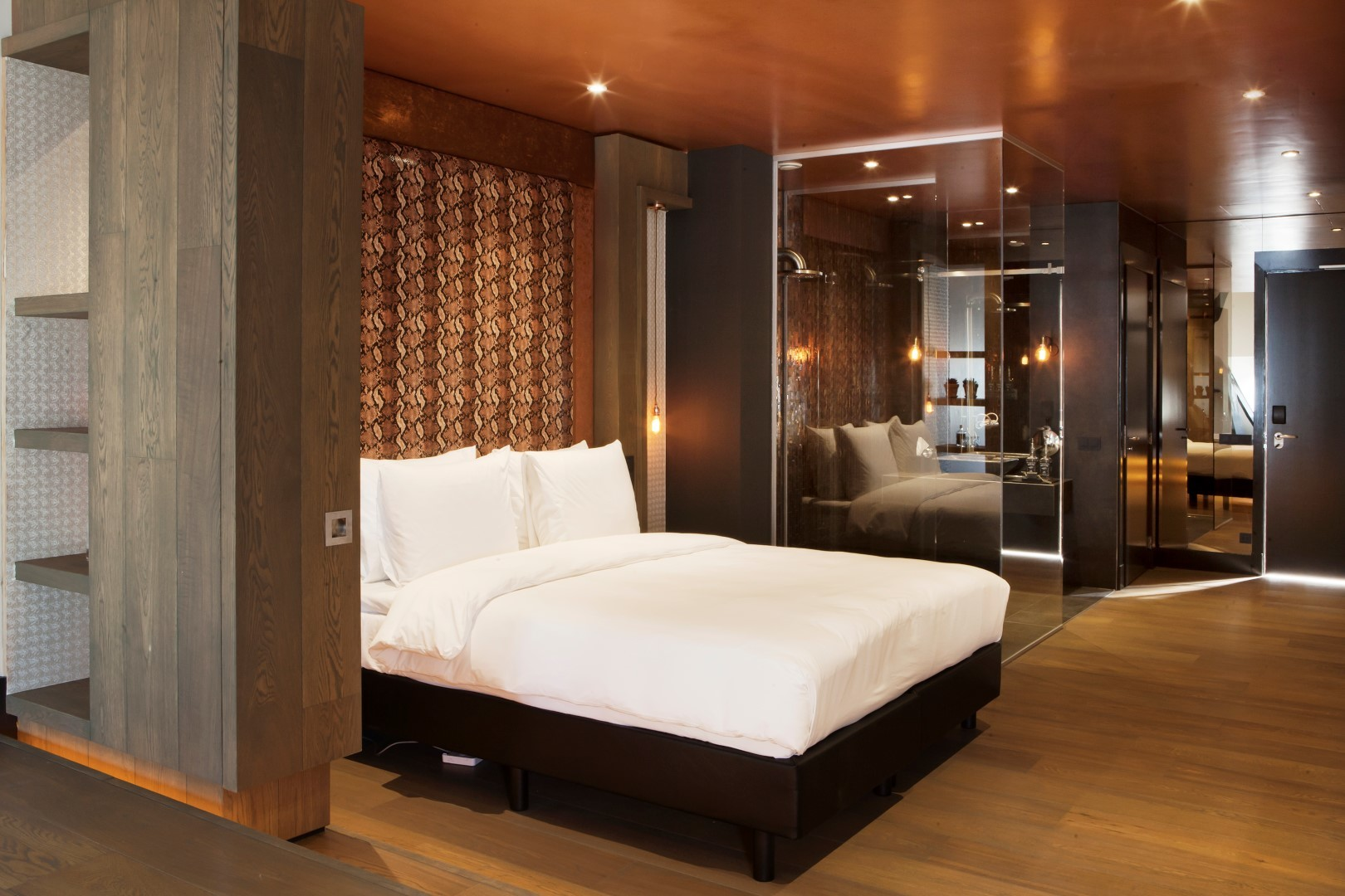 COMFORT AND LUXURY AWAY FROM HOME