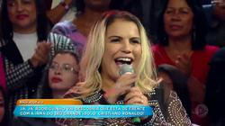 Rodriguinho dança e cumpre desafio ao som de Kátia Aveiro, irmã de seu ídolo, Cristiano Ronaldo.