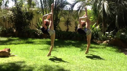 """Rybka Twins - Dancers Leggo!"""